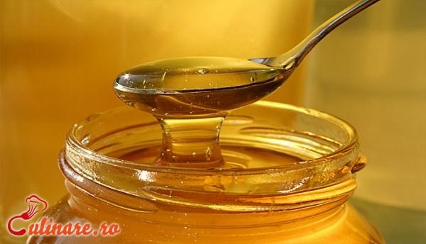 Foto - Beneficii ale mierii de albine