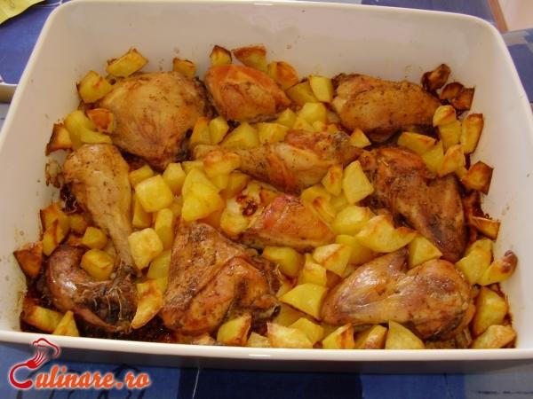 Foto - Cartofi la cuptor cu pui