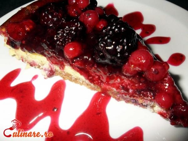 Foto - Cheesecake cu fructe de padure