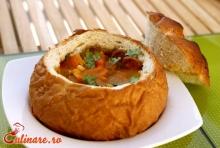 Ciorba de fasole in paine