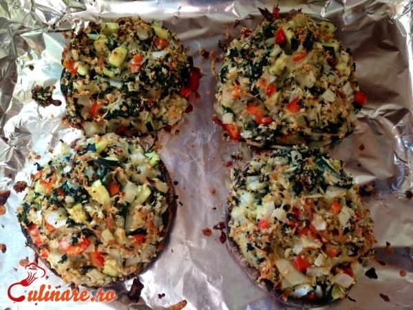 Foto - Ciuperci umplute cu legume