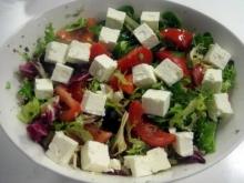 Salata cu branza feta