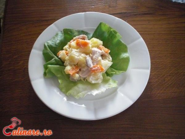 Foto - Salata de pui cu ananas