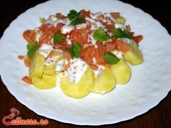 Foto - Salata de somon afumat