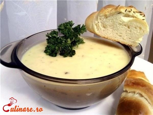 Foto - Supa crema de usturoi