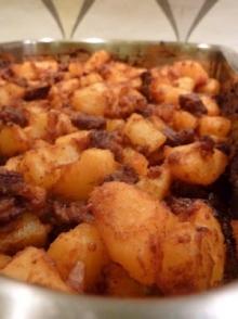 Tocanita de cartofi cu carne de porc
